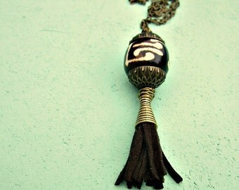 Adjustable Long Rustic Brass No Clasp Necklace with Chunky Bone and Suede Tassel Pendant: Tempo