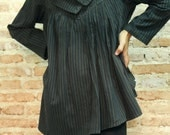 I wonder ....Blouse in striped cotton/wool Blouse.. one size fit S-M