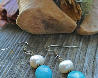 Pearl and Turquoise Brass Earrings // Bridal Jewelry // Small Earrings // Dangle Stone Earrings // Jewelry // Gifts For Her // Classic Style