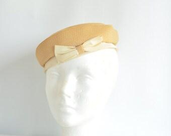 Vintage 1950's Beige Bow Pillbox Hat Sunday Best