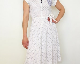 French vintage 1970s white dress with blue embroideries  - medium M