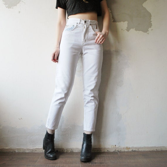 r e s e r v e d...80s ivory high waist SKINNY jeans. denim pants - xs to small
