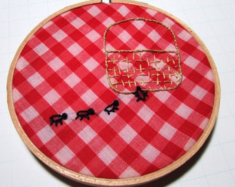 Embroidery Hoop Art, Vintage Gingham Fabric, Picnic basket and ants - Wall Art