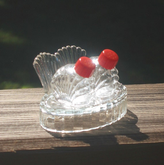 Glass Shakers W Tray Red Lids Art Deco Salt And Pepper Set