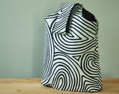 Small Tote Bag with Black and White Woodgrain Pattern