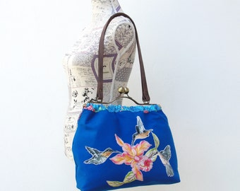 Hummingbird Bag, Bird appliques, Vintage Embroidery, floral purse, Kiss-lock, Leather