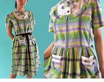 Vintage 40s 50s Dress Cotton Schoolgirl Dress / Full Skirt Shirtwaist Dress 1940s Teen Dress Short Sleeves Plaid Retro Dress S