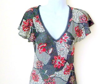 Floral Dress - Only Hearts - Helena Stuart - TARA - 90s - Black Red - Romantic - Asian - Pullover - Short Sleeve - V Neck - Recycled