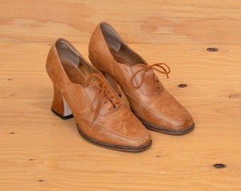 Vintage 80's Shoes Tan Lace-Up High Heel Square Toe SZ 6