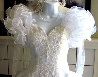 Vintage-1980s-White-Meringue-Wedding-Gown-White-Fluff-Pearls-Beads-S