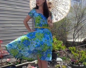 Boca Raton, Vintage Style Daisy Cotton Sundress Dress, Sweetheart Neckline & Circle Skirt