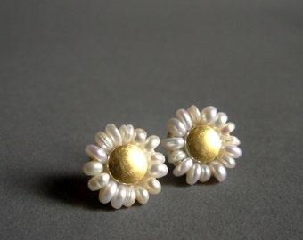 Marguerite Ear Studs - Daisy Earrings - Pearl Stud Earrings - Wedding Earrings - Flower Earrings - Seed Pearls 22K Gold Silver Earrings