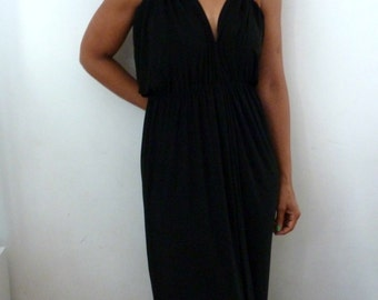 Black drawing v neck dress with elastic waist