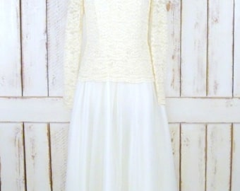Vintage ivory stretch lace wedding gown/long sleeve ivory flowy dress/off white bridal gown