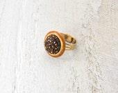Adjustable vintage rhinestone ring.  Beautiful and unique.