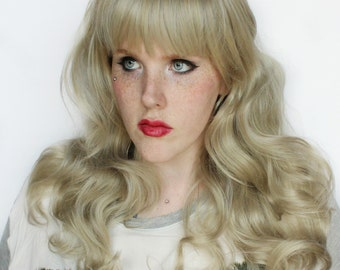 SALE Long Blonde wig. Silver Curly wig. Glamorous wig. Natural Boho Indie wig. Lolita wig. Pin Up wig // Starlet