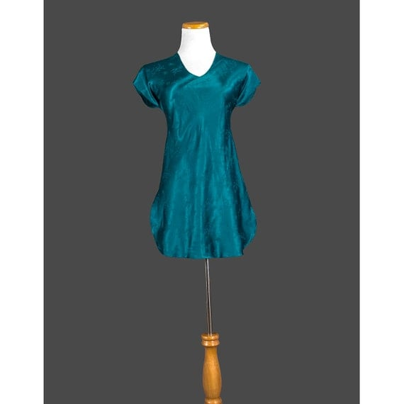 Vintage 1970s Nightgown, 70s Asian Nightie, Teal Blue Floral Satin, Short Sleeve, Spring Summer, V Neck, Mini Nightgown, Medium M - ON SALE!