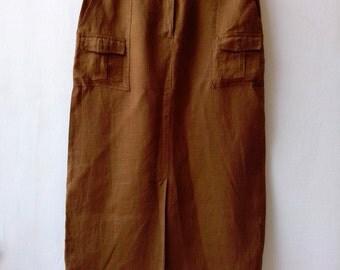Vintage maxi skirt in mustard brown rustic linen with pockets. Size medium, 40 European, 12 UK
