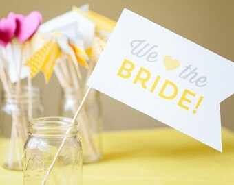 Photo Prop - We heart the Bride - Bridal Shower Collection