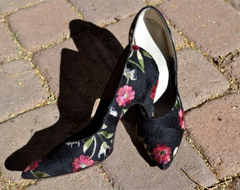 Vintage Black Silk Embroidered Floral 50s Heels Pumps Size 7