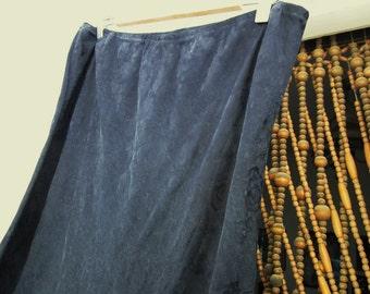 Beautiful Floral Brocade Long Skirt Shaded in Very Dark Blue , Vintage - Large