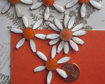 Vintage  Enameled Daisy 1960's Metal Flowers