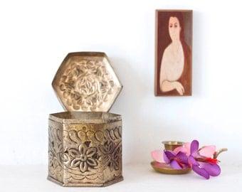 White Brass and Patina Trinket Box - Pot Pourii Frangrance Box - Vintage Home Decor