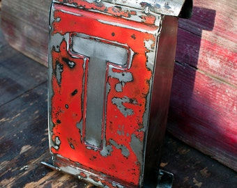 Metal Wall Art 1958 Chevrolet Red Tailgate Letter T