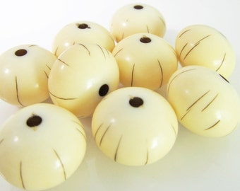 12 Vintage 16mm Light Ivory and Brown Striped Lucite Rondelle Beads Bd1031