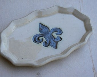 fleur de lis ring tray, bridesmaid gift, jewelry keeper, cottage chic, New Orleans wedding, trinket dish, jewelry tray, wedding favors, gift