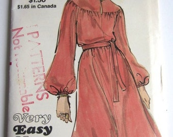 Vintage 1970's Vogue 7945 Sewing Pattern Misses one piece dress pattern size 14 bust 36 hip 38 Very Easy Vogue