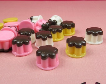 Kawaii Mini Pudding Cabochons / Flatback Decoden Resin Food Cabochons / Cellphone Deco (6 pieces)