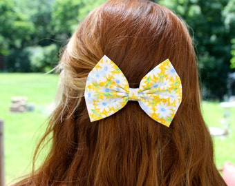 SALE - Elsie Hair Bow - Yellow Daisy Floral Pattern Hair Bow with Clip