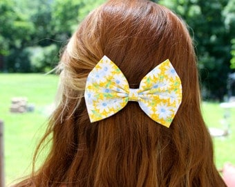 Elsie Hair Bow - Yellow Daisy Floral Pattern Hair Bow with Clip