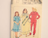 1980s Vintage Nightgown Sewing Pattern for Girls // sizes 10, 12 & 14 // Style 4015