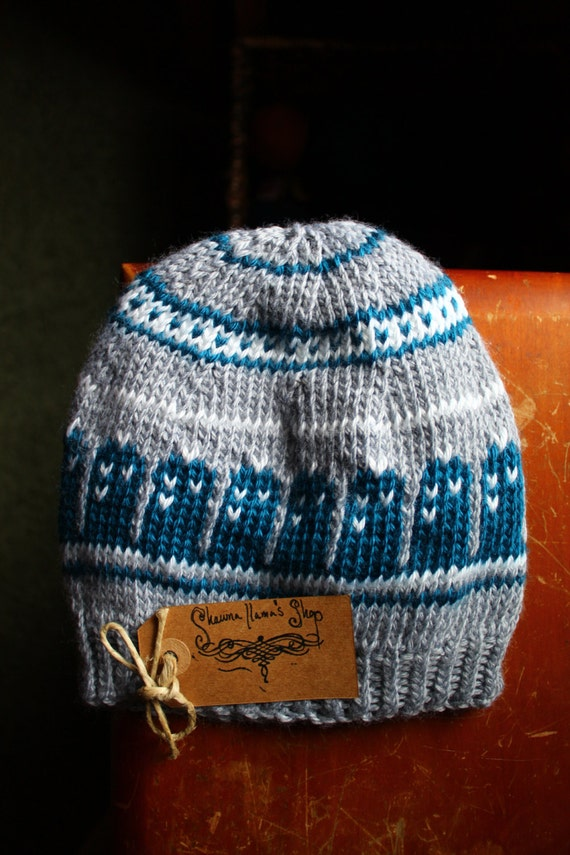 Knitted T.A.R.D.I.S. Beanie, Light Gray and Teal Blue