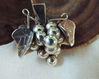 sterling silver grape cluster pin pendant Mexico Taxco