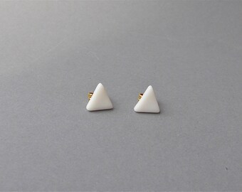 Minimalistic porcelain post earrings - white triangle post earrings, modern post triangle, porcelain post triangle