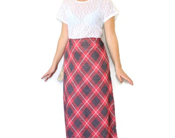 60s maxi skirt. Twee skirt. Coral grey plaid skirt. Knit skirt.  Mint condition. A line skirt. Size Small. Mad Men fashion. Deadstock