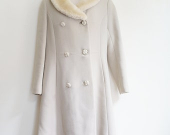 Vintage 60 beige coat with sheep fur collar
