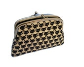 Black cat frame wallet  with 2 sections in cream linen fabric, kiss lock frame coin purse