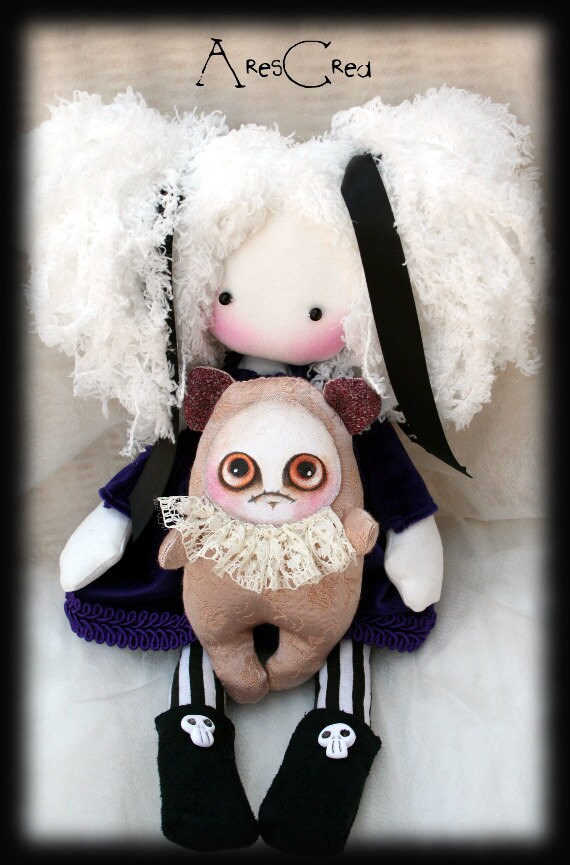 Handmade Gothic Harajuku Fashion W H Naoto Spiderweb Bag: Camilla Handmade Gothic Cloth Doll With Skulls And Grumpie