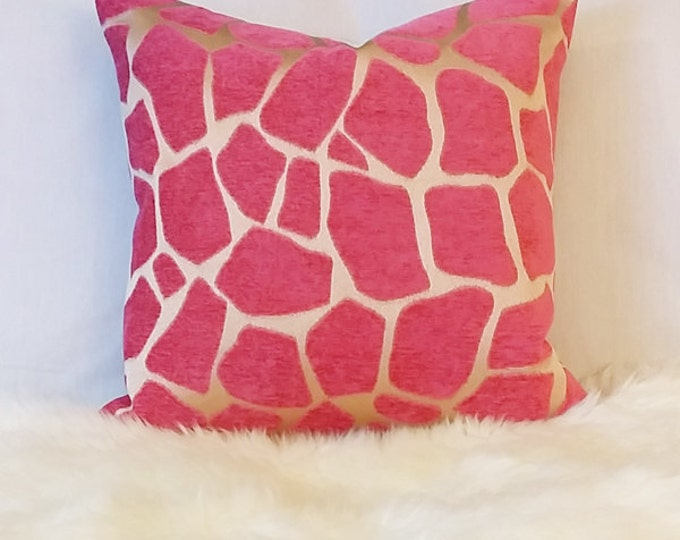 pink giraffe print pillow cover