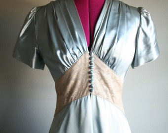 Stunning 1940's Satin Dressing Gown