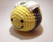 Yellow and gray bumblebee amigurumi