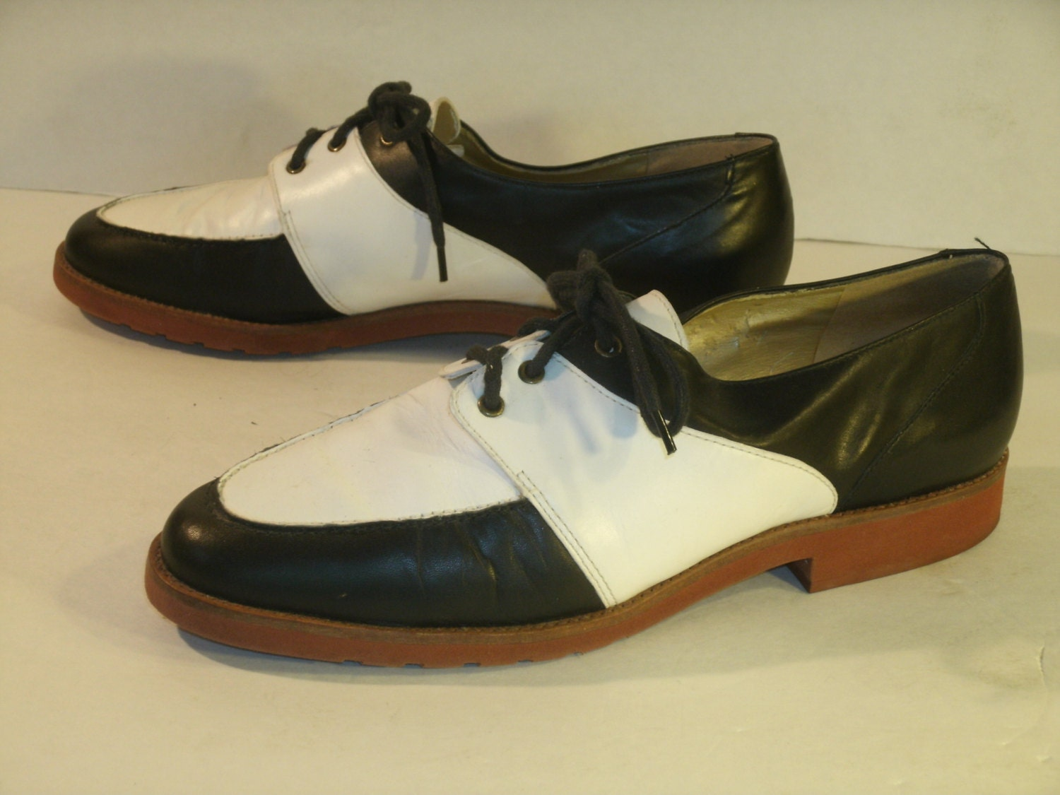 cappagallo leather oxfords saddle shoes black and white
