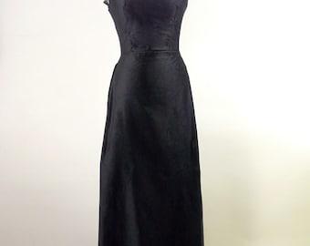 Cleora illustraria – Victorian velvet gown