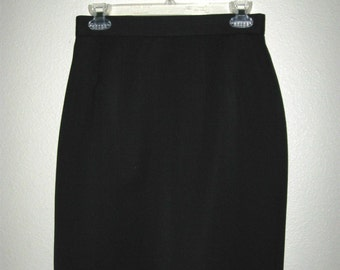 Casual Corner Size 6 Black Lined Straight Skirt