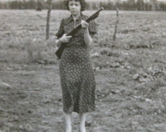Mom's Pissed! - 1940's Beautiful Woman With Shotgun Snapshot Photograph - Free Shipping