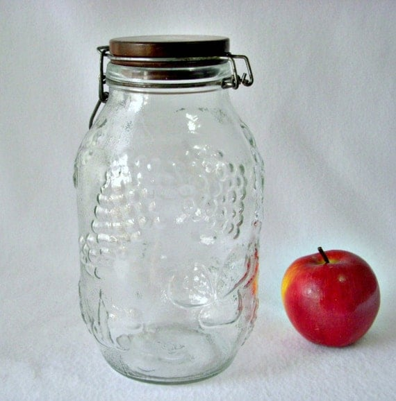 Fruit Embossed Decorative Glass Jar Wood Top Jar 3 Liter